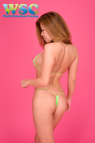 エロ下着の通販商品:マイクロミニ・ビキニ【極細ヒモ】・E900・ライム色・イメージ写真2