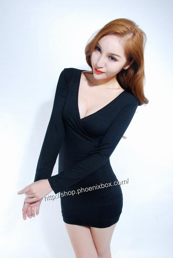 ボディコン通販の商品:深Vネックの長袖ワイトワンピ・黒MA007・詳細写真3
