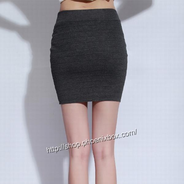 エロ下着の通販商品:タイトスカート・グレーE1112・素人着用写真5