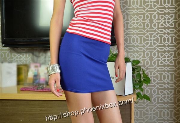 ボディコン通販の商品:タイトスカート・ブルーE1113・素人着用写真1