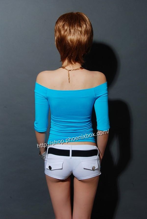 ボディコン通販の商品:7分袖オフショルダー・Tシャツ・ブルー90012・素人着用写真4