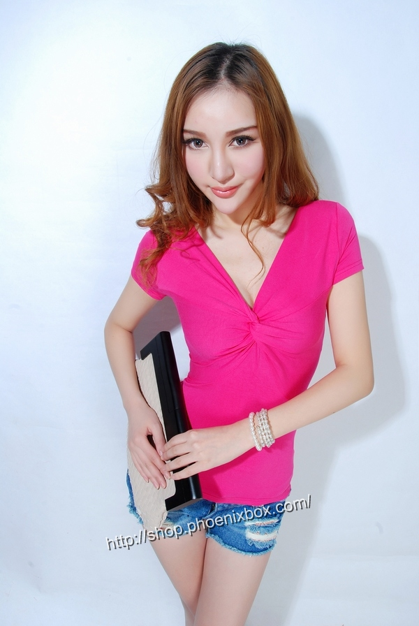 ボディコン通販の商品:半袖Tシャツ・ローズE9081・素人着用写真2