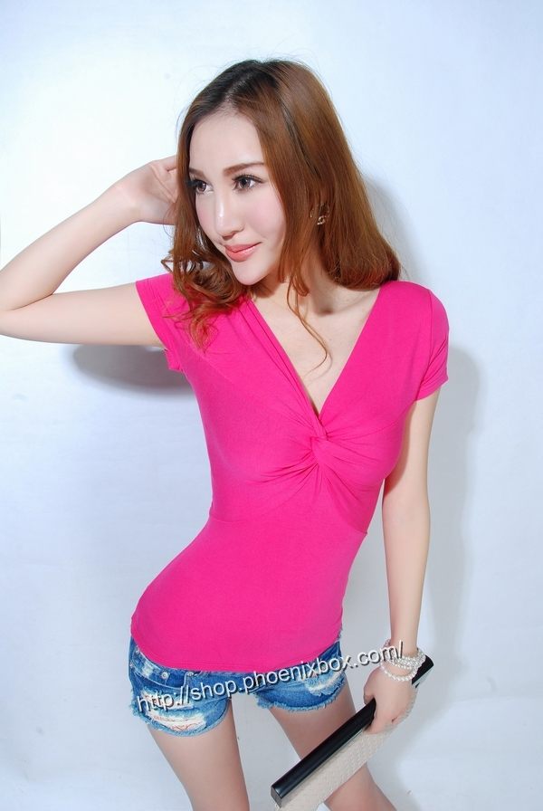 ボディコン通販の商品:半袖Tシャツ・ローズE9081・素人着用写真3