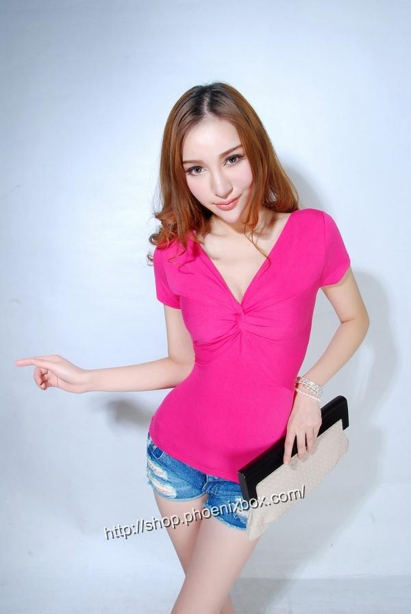 ボディコン通販の商品:半袖Tシャツ・ローズE9081・素人着用写真1