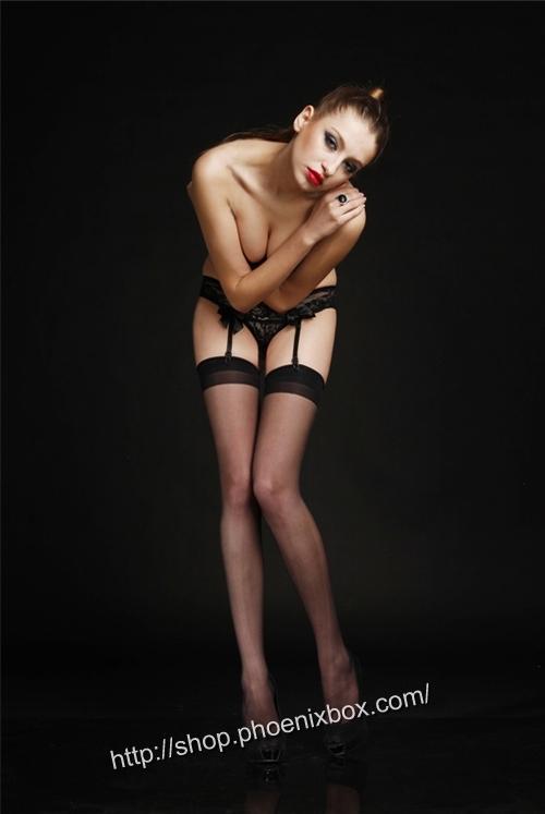 エロ下着の通販商品:ガーターベルト(garter belt)黒43031・着用写真1