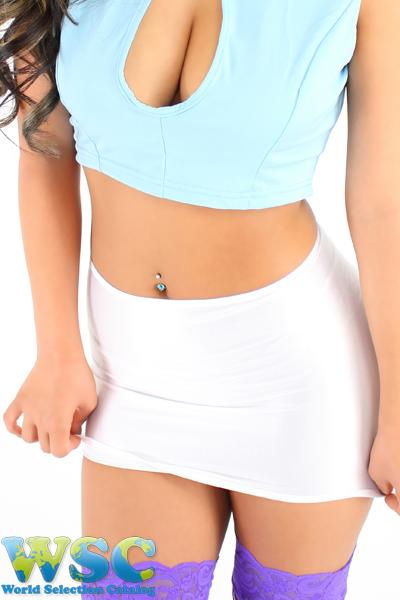 エロ下着の通販商品:25cm丈光沢スカート・白528001・イメージ写真4