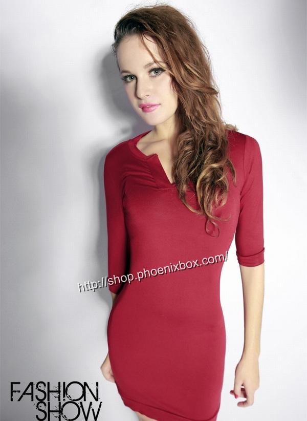 ボディコン通販商品:七分袖のタイトワンピ・赤A185・イメージ写真2