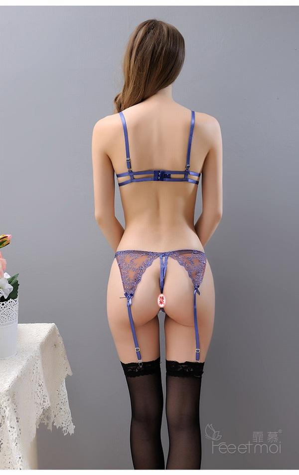 エロ下着の通販商品:ワイヤ入りブラ+Tバック+ガーターベルト7876・ブルー・イメージ写真1